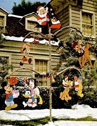click to go to article - Disney Christmas Yard Decorations