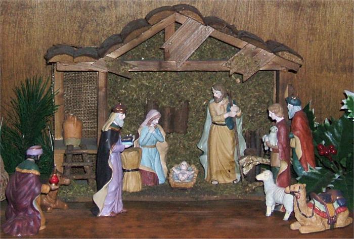 http://www.familychristmasonline.com/nativities/sonyas_nativity.jpg